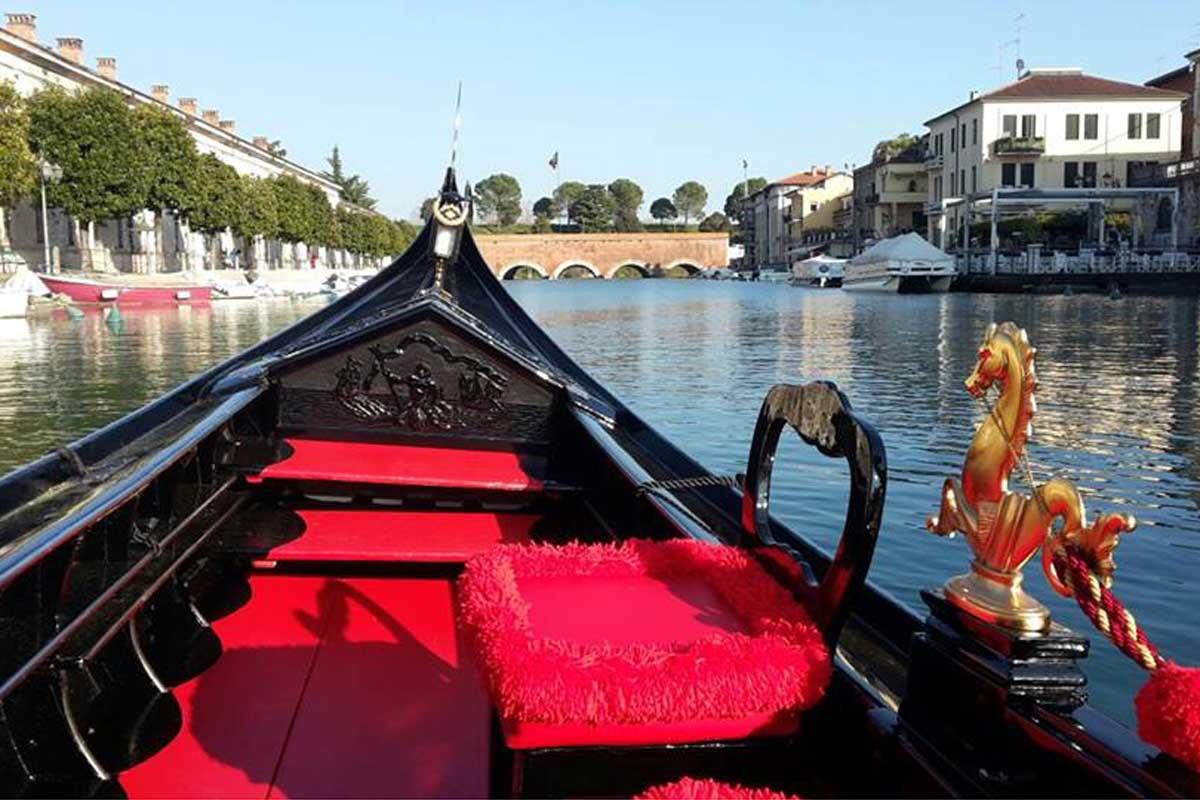 Un giro in gondola sul lago di Garda? Si può fare!