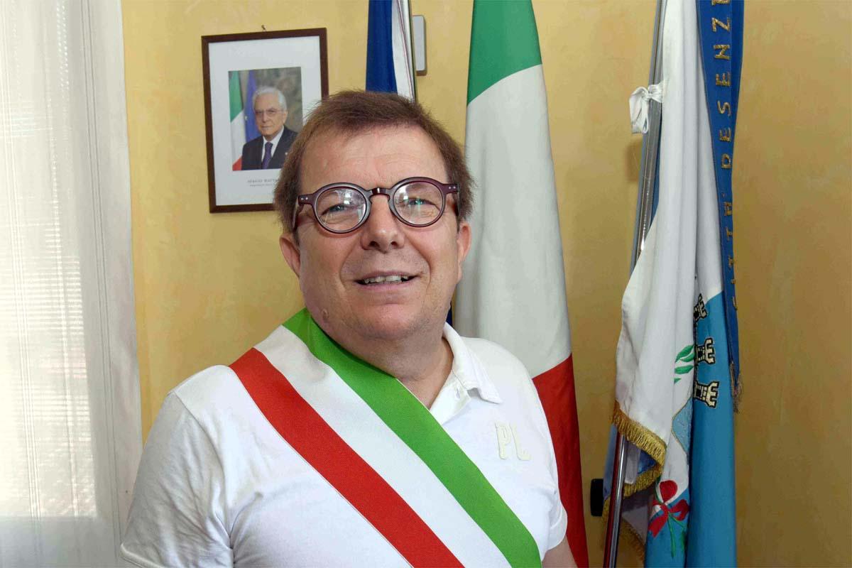 Clamoroso a Desenzano, il sindaco Guido Malinverno si è dimesso