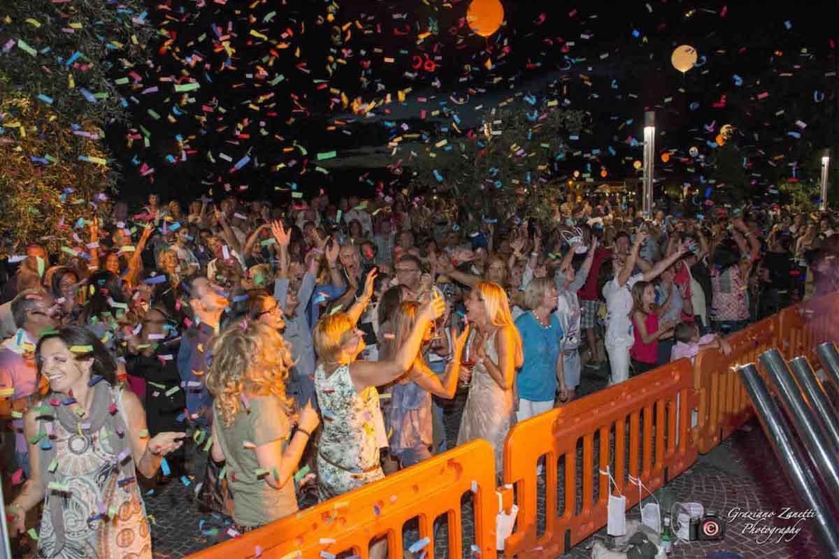 Festeggiamenti durante una delle passate edizioni della fortunata manifestazione.