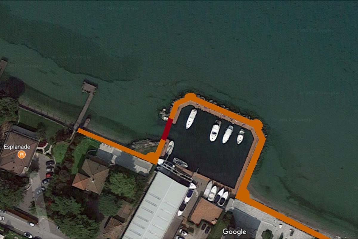 La passeggiata proposta dai 5 Stelle si sviluppa lungo il perimetro della nautica.