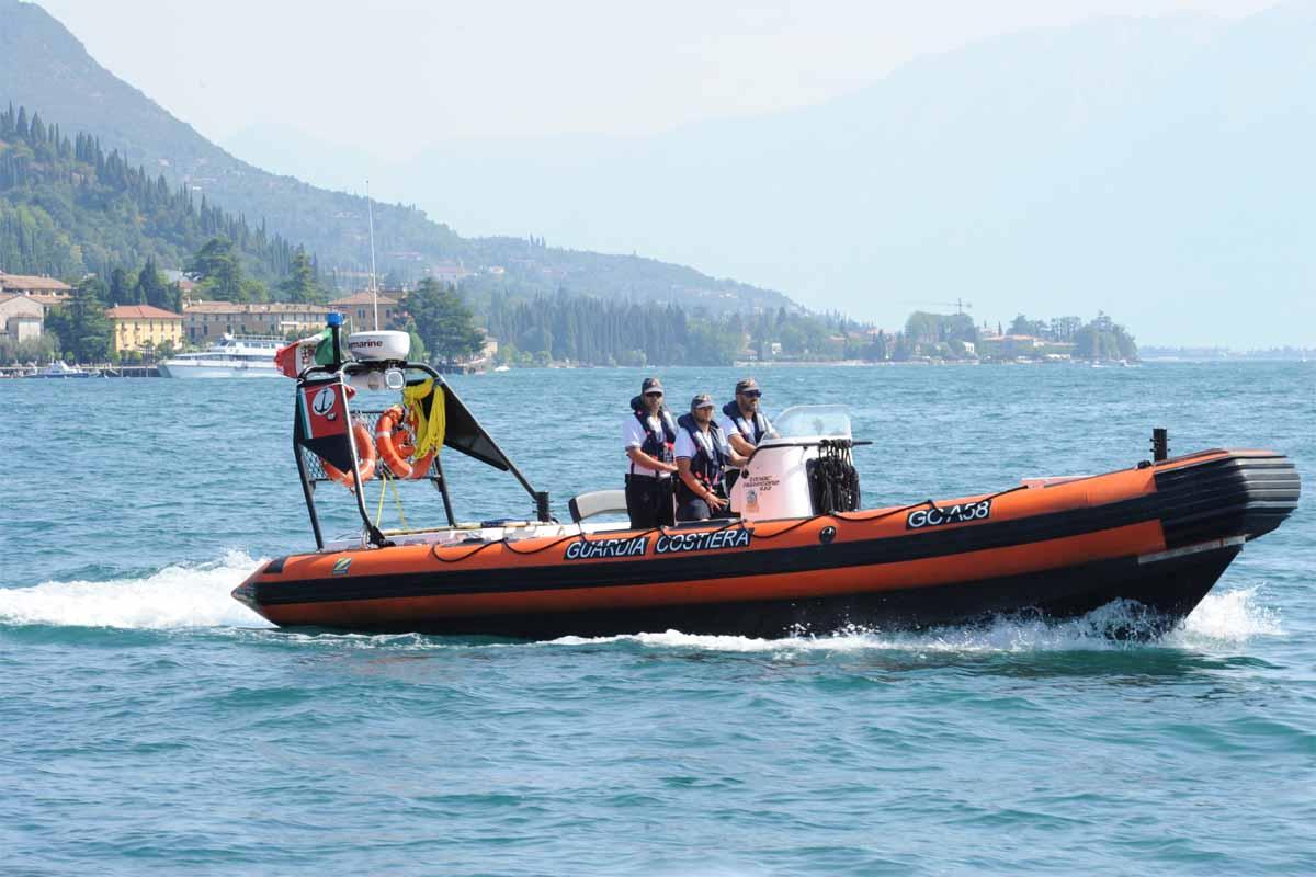 Bambina di 5 anni ferita a Sirmione soccorsa dalla Guardia Costiera
