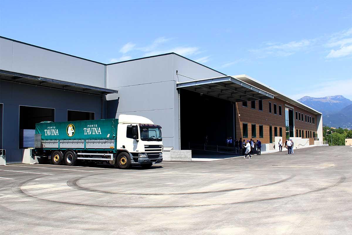 Il nuovo stabilimento, realizzato a Cunettone di Salò.