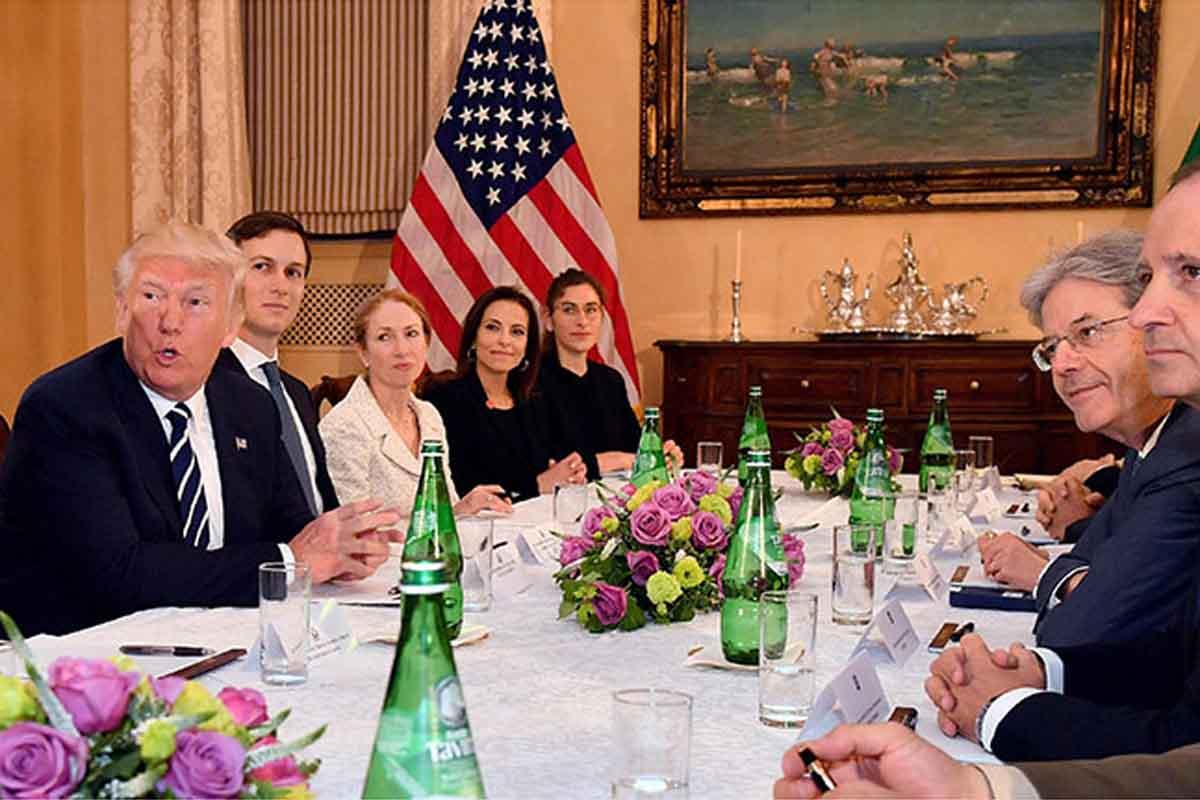 Acqua Tavina è stata scelta dal Presidente degli Stati Uniti d'America, Donald Trump, per il meeting con il Presidente del Consiglio italiano, Paolo Gentiloni (foto tratta da www.tavina.it).