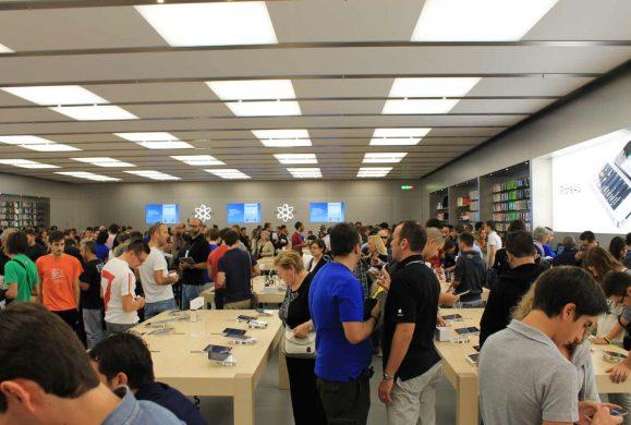 Lancio iPhone 8, il Leone apre alle 7 del mattino
