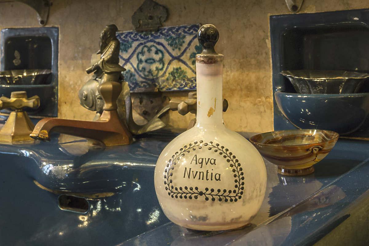 D annunzio e l arte del profumo odorarius mirabilis gardapost - L arte del bagno ...