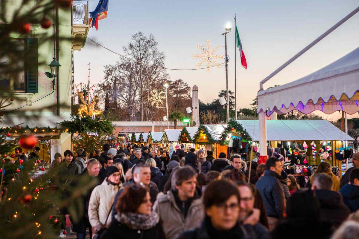 Dal Sei al Sei, il villaggio di Natale fino a domenica 7 a Bardolino
