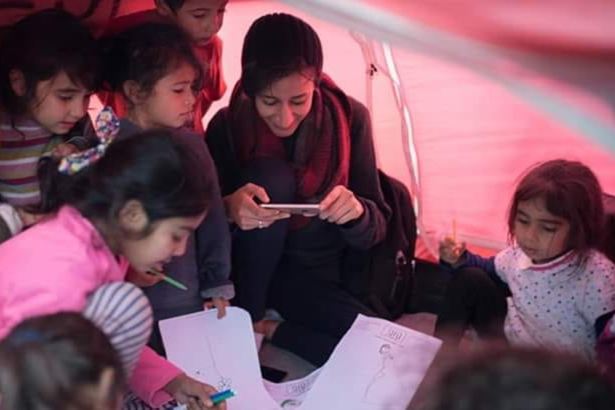 Merenda solidale per i profughi sull'isola di Lesbo